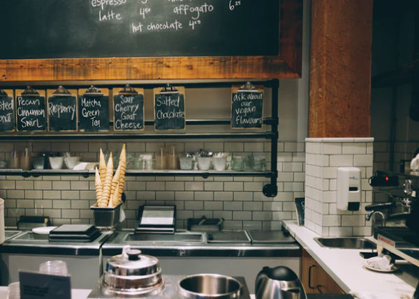 8 Signs that Your Restaurant Grease Trap Needs Cleaning
